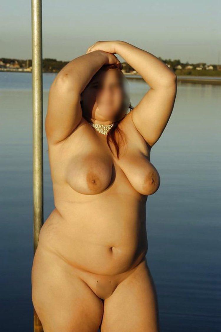 Une belle ronde gros seins